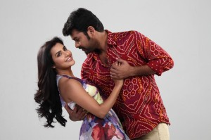 Oorla Rendu Raja Movie Latest Photos