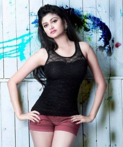 Actress Oviya New Photoshoot Stills