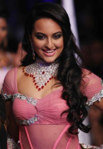 Sonakshi Sinha Hot Ramp Walk Images in Pink Dress