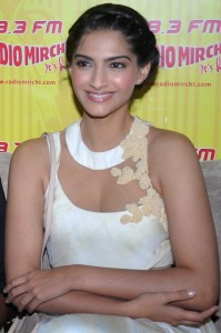 Sonam Kapoor Hot Cleavage Show Photos At Raanjhanaa Movie Audio Launch in Radio Mirchi 98.3 FM