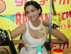Sonam Kapoor Photos At Raanjhanaa Movie Audio Launch 13