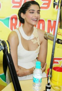 Sonam Kapoor Photos At Raanjhanaa Movie Audio Launch 3
