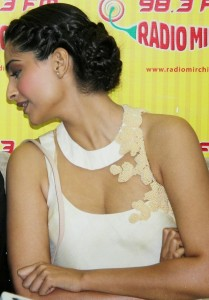 Sonam Kapoor Photos At Raanjhanaa Movie Audio Launch 5