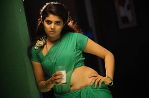 Sravya Hot Saree Photos in Love You Bangaram Movie