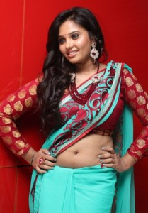 Aarushi Navel Show Pictures in Saree