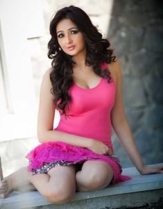 South Actress Aavaana Hot Sexy Photoshoot Images