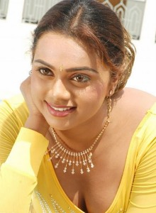 Abhinayasri Sexy Cleavage Photos