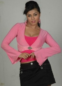 Aarthi Puri Hot Photoshoot Pics