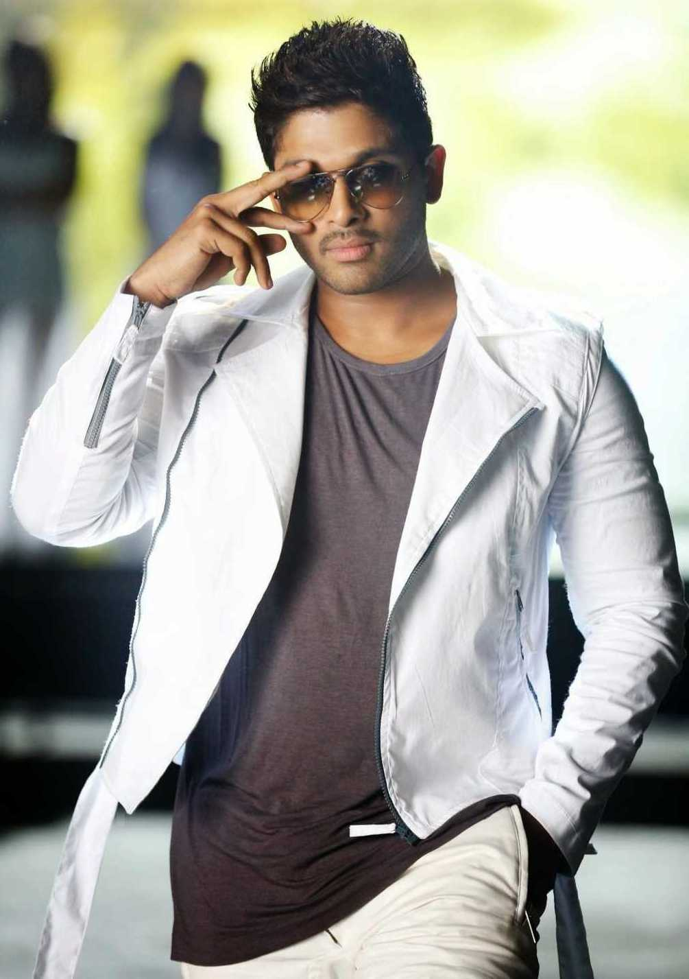 Allu Arjun Latest Photos From Race Gurram Movie Movie