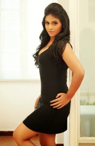 Anjali Hot Thighs Show Pics in Black Dress