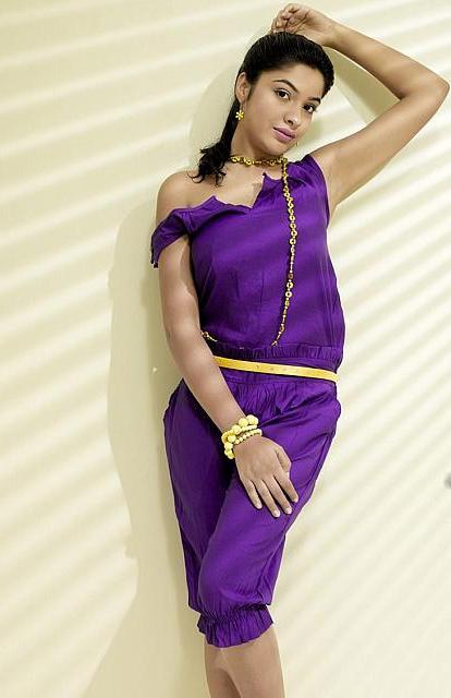 Archana Kavi Hot Photoshoot Photos - Movie Photos Gallery