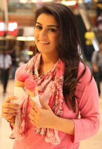 Hansika Latest Smiling Pictures in Maan Karate Movie