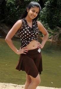 Ishita Dutta Sexy Navel Images