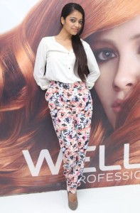 Janani Iyer New Photos At Essensuals Salon Launch in Chennai