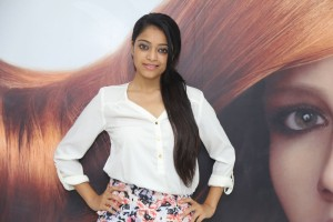 Janani Iyer At Essensuals Salon Launch Photos
