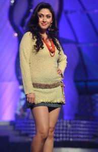Actress Manjari Phadnis Hot Thighs Show Pics At CineMAA Awards