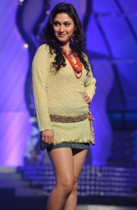 Manjari Phadnis Hot Thighs Show Images in Mini Skirt At CineMAA Awards