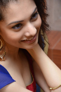 Telugu Actress Natalie Rout Hot Cleavage Show Images