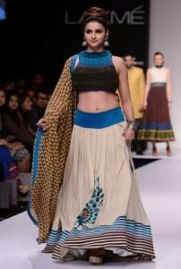 Prachi Desai Sexy Navel Show Images