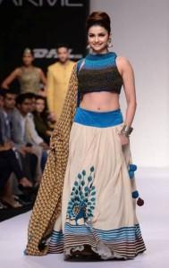 Prachi Desai Navel Show Photos At Lakme Fashion Week