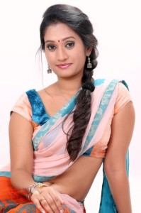 Priyanka Pallavi Navel Pics in Half Saree
