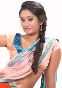 Priyanka Pallavi Hot Navel Photos in Half Saree 4