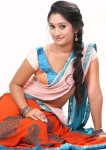 Priyanka Pallavi Hot Navel Photos in Half Saree 5