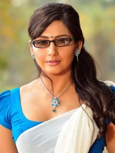 Actress Ragini Dwivedi Hot Picturues in Half Saree