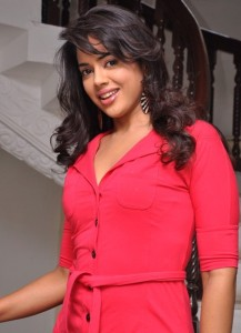 Sameera Reddy Cute Smiling Images