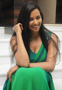 Sanjana Singh Sexy Cleavage Photos in Green Dress