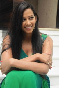 Tamil Actress Sanjana Singh Cleavage Show Photos in Green Dress