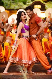 Shruti Haasan Latest Hot Pics in Race Gurram Movie