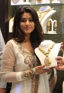 Sneha Sexy Images At Malabar Gold Artistry Collection Launch