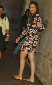 Sonakshi Sinha Sexy Legs Show Photos At Queen Movie Special Screening