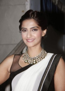 Sonam Kapoor At Kuch Dil Ne Kaha Ghazal Album Launch Stills