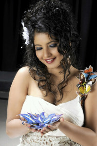 Subha Punja Hot Cleavage Pictures