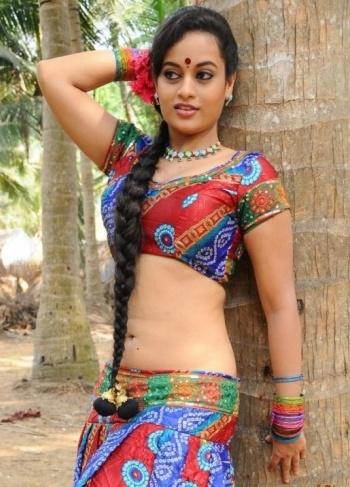 hot videos south indian actress madhurima in pink saree