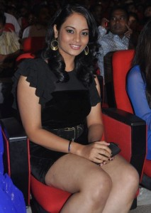 Suja Varunee Thighs Show Photos At Nagavalli Movie Audio Launch 10
