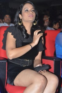 Suja Varunee Thighs Show Photos At Nagavalli Movie Audio Launch 5