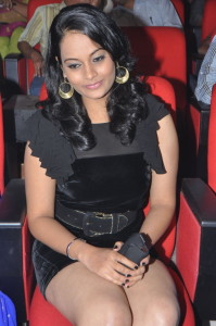 Suja Varunee Thighs Show Photos At Nagavalli Movie Audio Launch 7