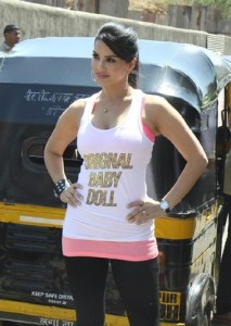 Sunny Leone At Ragini MMS 2 Movie Promotion Photos 7