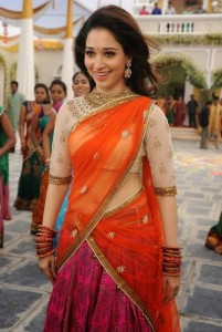 Tamanna Latest Hot Navel Show Photos in Half Saree