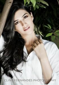 1 Nenokkadine Movie Actress Kriti Sanon Unseen Sexy Photoshoot Images
