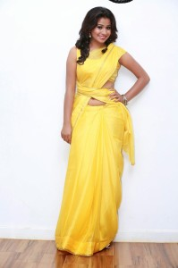Manali Rathod Sexy Navel Show Pictures in Saree Form Green Signal Movie