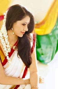 Mallu Actress Reenu Mathews Cute Photoshoot Pics in Saree