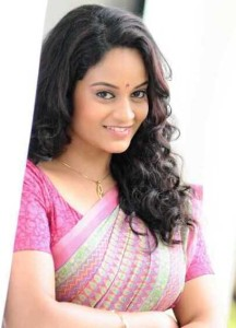 Suja Varunee New Cute Saree Pics