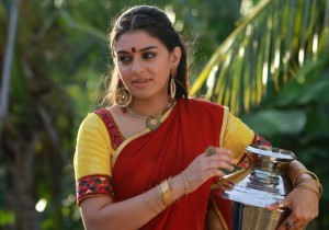 Hansika Motwani Photos in Aranmanai Movie