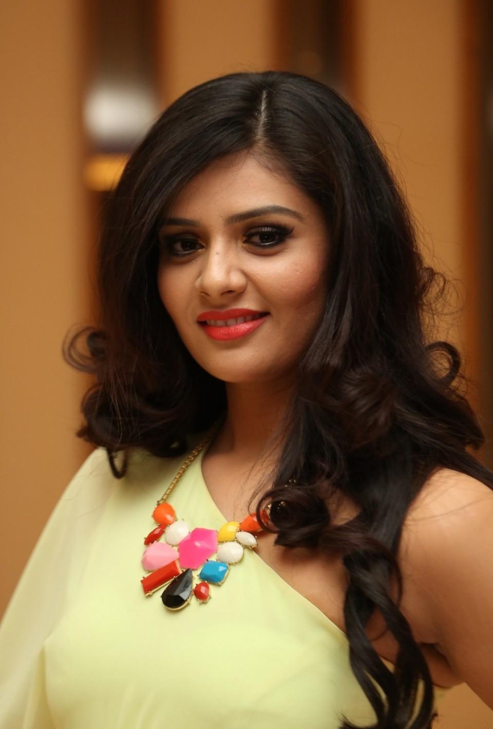 Life is Beautiful Actress Srimukhi Hot Photos   Movie Photos Gallery