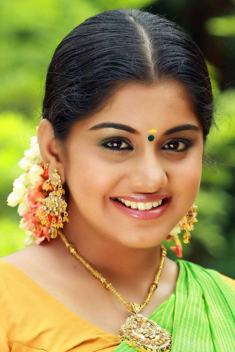 Meera Nandan Sexy Photos in Saree