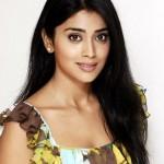 Shriya Saran Cute Photoshoot Pics Gallery